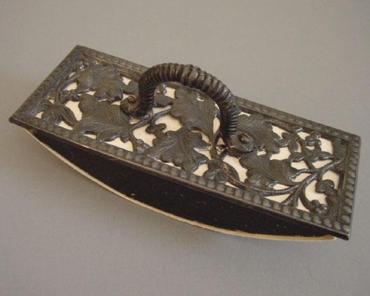 VICTORIAN rocker blotter, cast iron oak leaves
