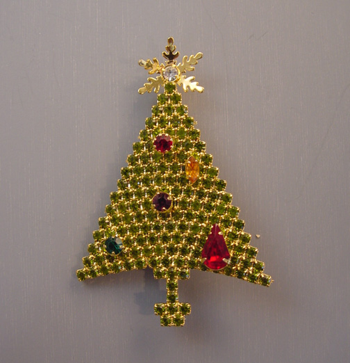 ATTRUIA Christmas tree brooch with chartreuse