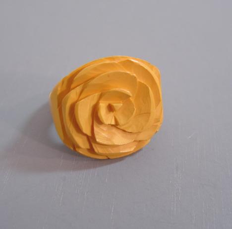 BAKELITE butterscotch flower carved ring