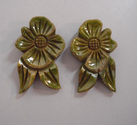 BAKELITE green swirl flowers and leaves dress clips set