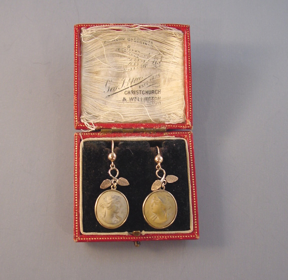 VICTORIAN 10k lava cameo earrings with box