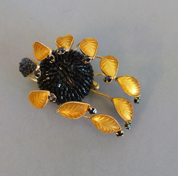 CARNEGIE Hattie Carnegie brooch with frosted golden glass leaves