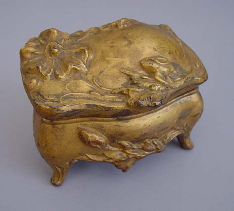 ART NOUVEAU jewelry casket with wild roses