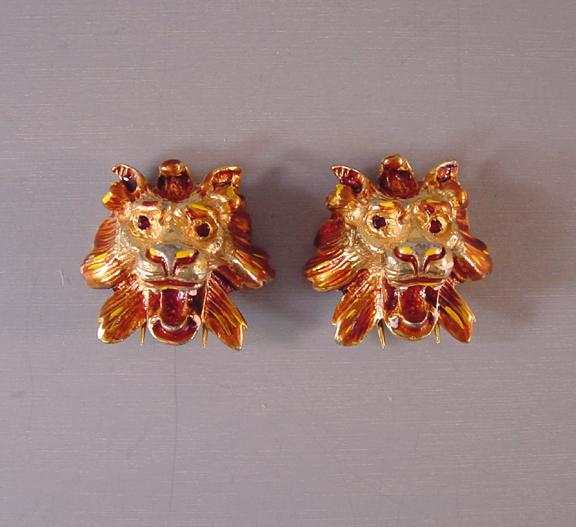 DEROSA lion head fur clips with amazing detail, 1940s