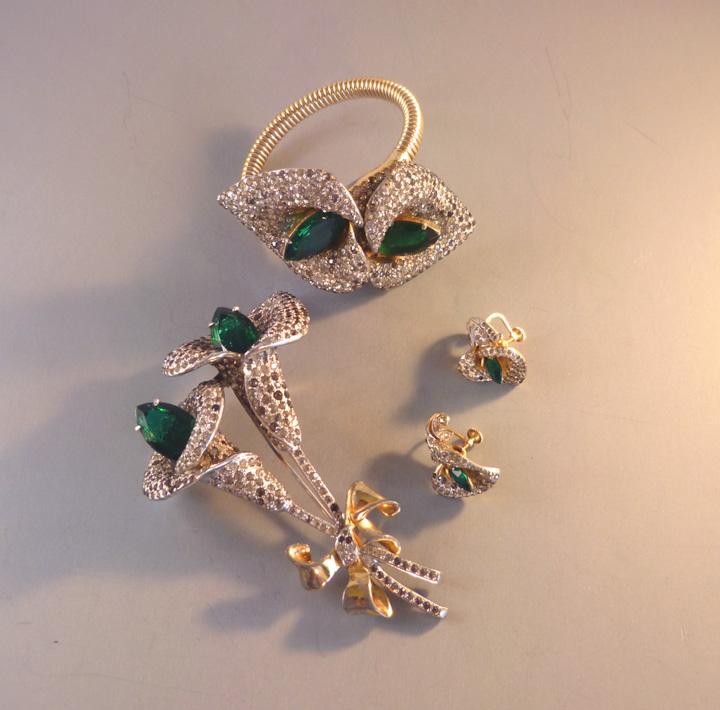 DEROSA floral lily motif coil bracelet, brooch and earrings