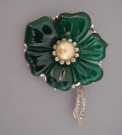 DUJAY green molded glass petals flower brooch