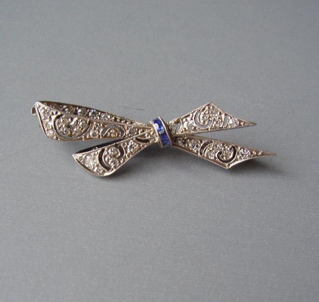 DECO 18k diamond bow pin, diamonds, sapphires