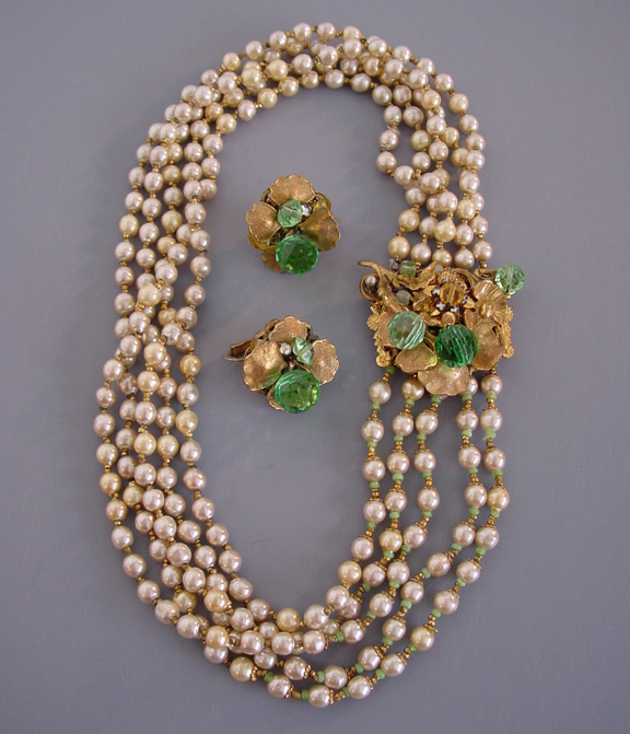EUGENE artificial pearl necklace and earrings