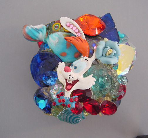 WENDY GELL Roger Rabbit Wristy in red, blue and orange