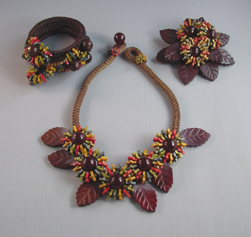 MIRIAM HASKELL Hess wooden beads & leaves parure