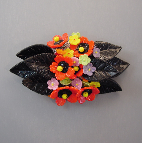 MIRIAM HASKELL Hess glass flower brooch red, yellow, lavender