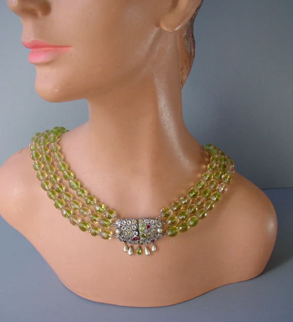 HOBE glass beads and rhinestone clasp necklace