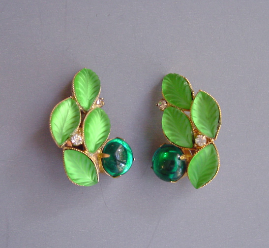 HOBE earrings with frosted green veined leaves, a green glass