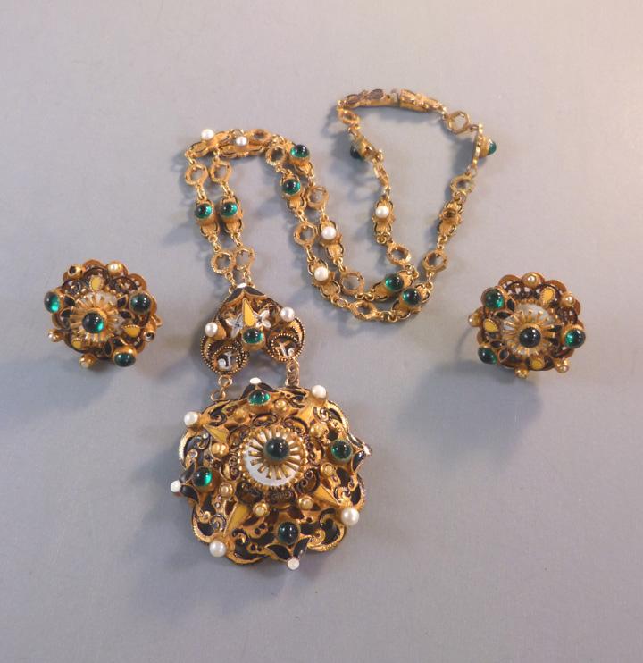 HOBE Austro-Hungarian style pendant & earrings