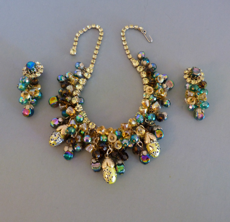 HOBE lush unusual glass beads necklace and earrings set