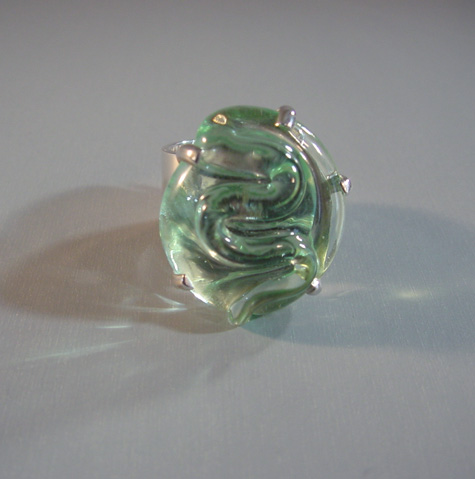 MARIQUITA MASTERSON green glass ring in sterling silver
