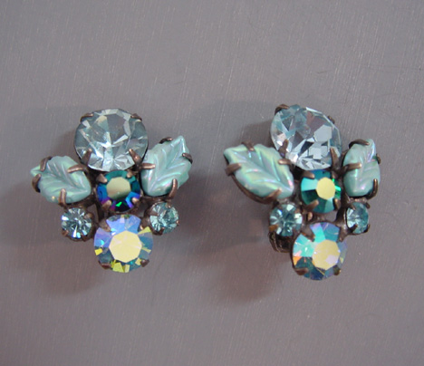 REGENCY unsigned aqua molded glass leaves earrings