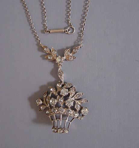 PASTE clear stones basket pendant necklace
