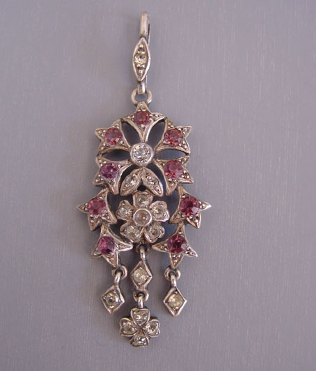 LAVALIERE with pink and clear rhinestones