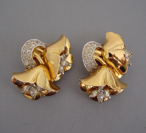 CORO flower dress clips in clear rhinestones