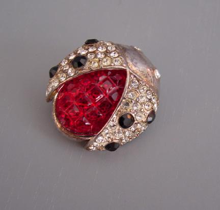 CAROLEE ladybug scatter pin