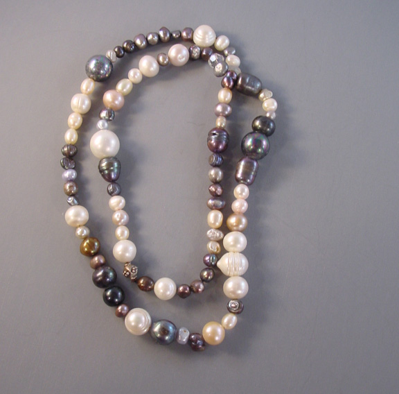 KOSTANTIA unsigned necklace pearls hematite glass beads