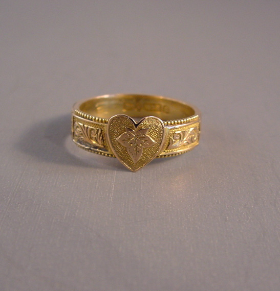 VICTORIAN 9ct gold, hair, heart and ivy leaf ring, 1890