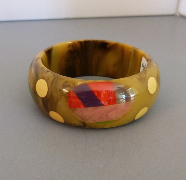 SHULTZ bakelite brown marbled bangle with dots