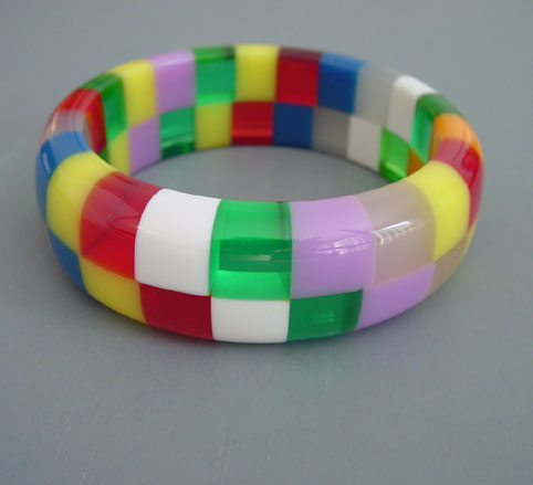 SHULTZ bakelite two row checked bangle