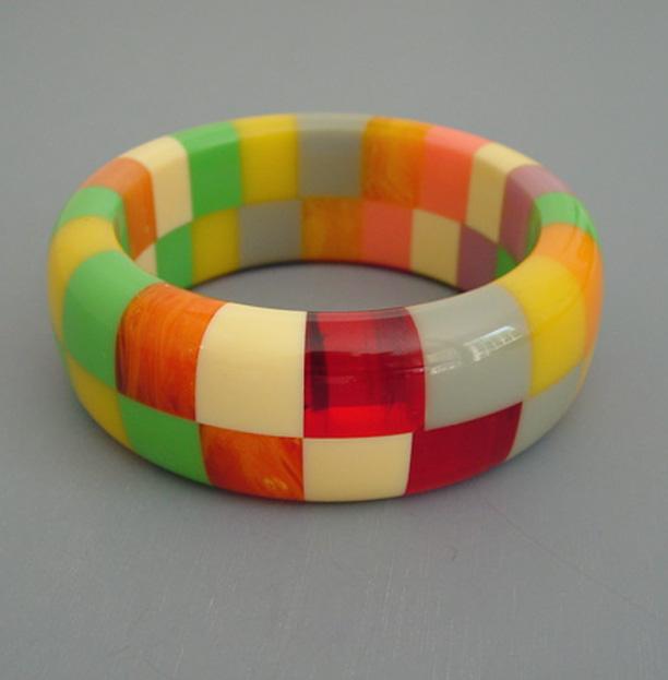 SHULTZ bakelite pastel colors two-row checked bangle
