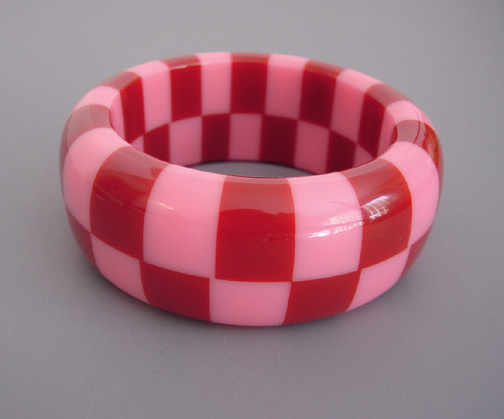 SHULTZ bakelite pink & red check bangle