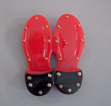 SHULTZ bakelite red and black shoe soles brooch
