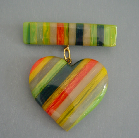 SHULTZ bakelite green multi-color rows heart brooch