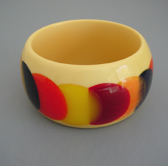 SHULTZ bakelite chunky bangle colorful dots