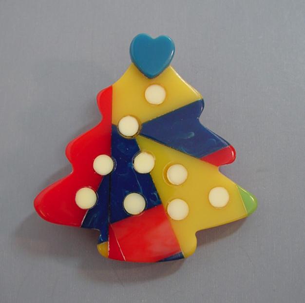 SHULTZ bakelite Christmas tree brooch, blue, red, sunset