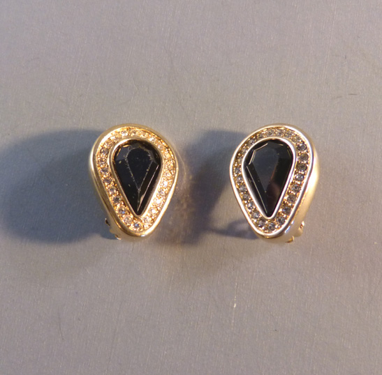 SWAROVSKI SAL Edelweiss marked earrings black centers
