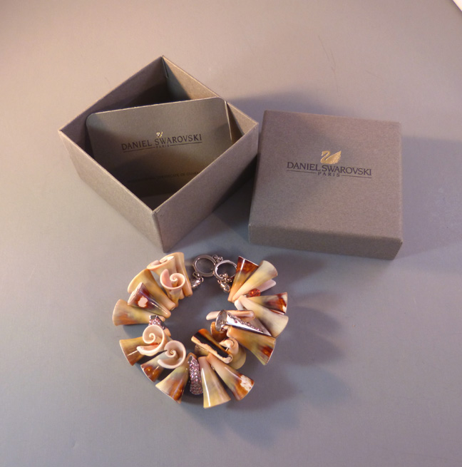 DANIEL SWAROVSKI Brilliance sea shells bracelet with box