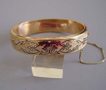 ETCHED gold child's hinged bangle with engraving