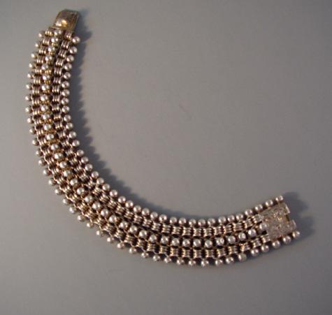 VICTORIAN sterling collar style bracelet, beaded edges