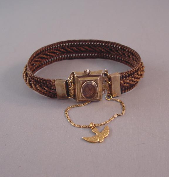 VICTORIAN 1845 woven brown hair bracelet, locket front