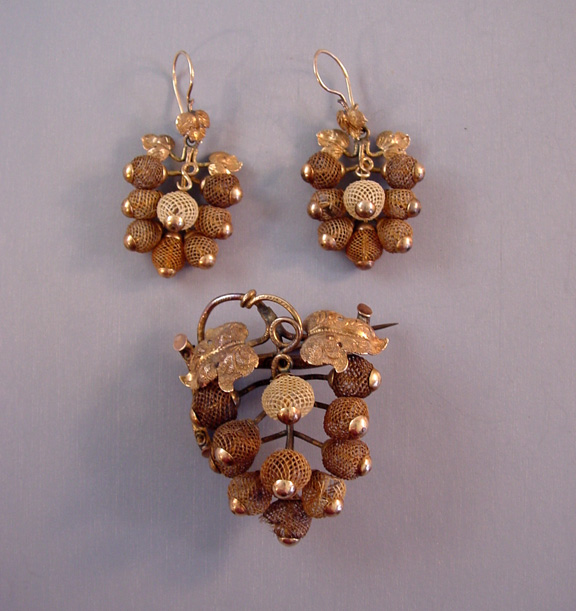 VICTORIAN hair brooch and earrings, rare set