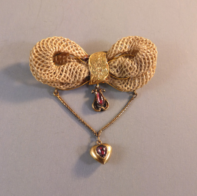 VICTORIAN 14k blonde hair bow bow brooch with garnets