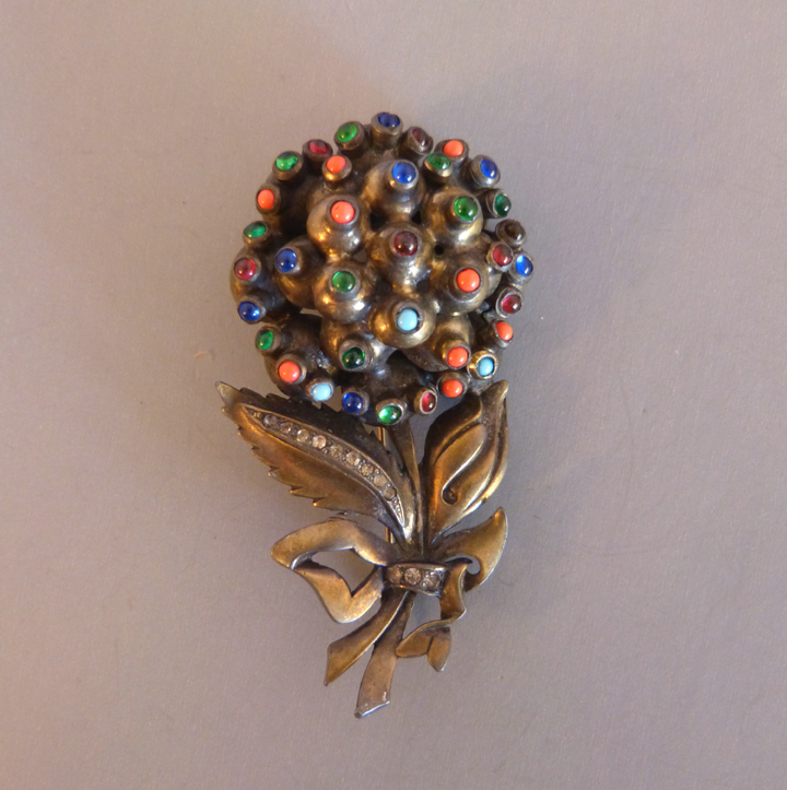 EISENBERG Original flower bouquet brooch tied with a bow