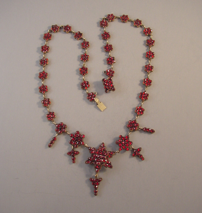 VICTORIAN Bohemian garnet encrusted necklace with stars & drops
