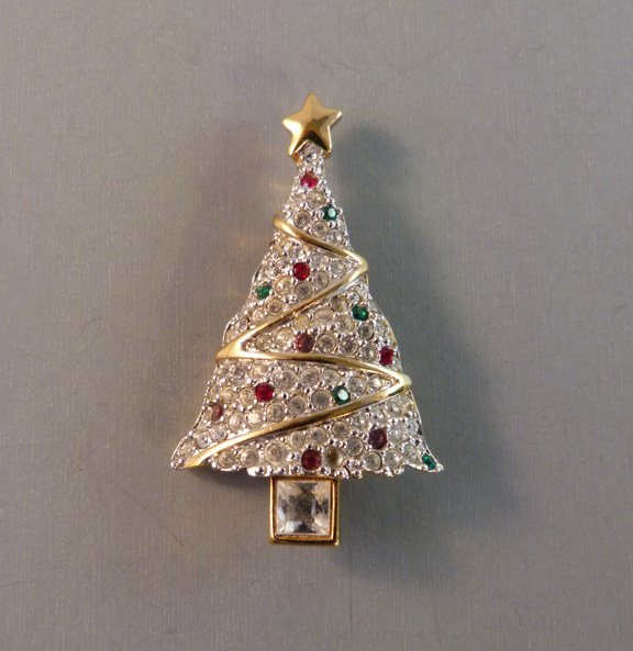 SWAROVSKI 1999 Christmas tree brooch in clear pave