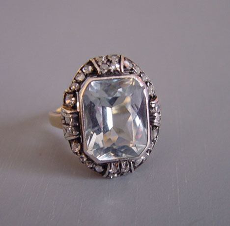 BLUE 14k yellow gold ring, blue topaz & diamonds