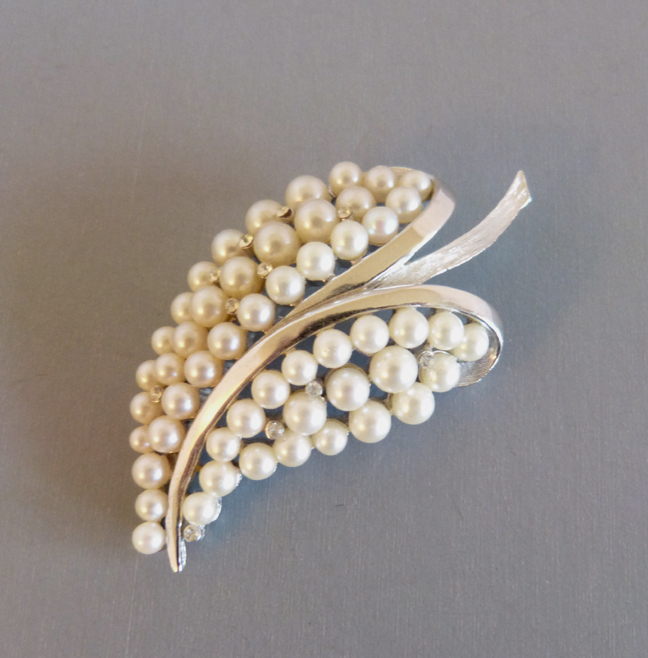 TRIFARI brushed silver tone & glass pearls stylized leaf brooch