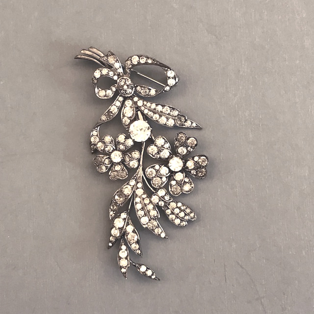 BOUQUET SCP England sterling silver & clear pastes flower pin, articulated