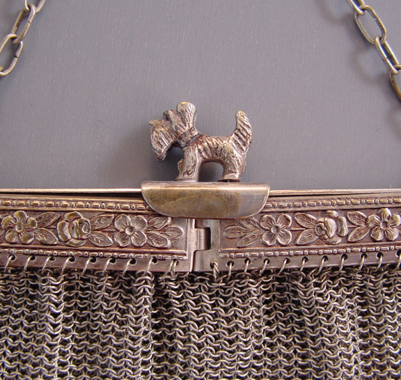 PURSE silver tone mesh P.DRSMSt. with a Scotty dog lift-up fastener