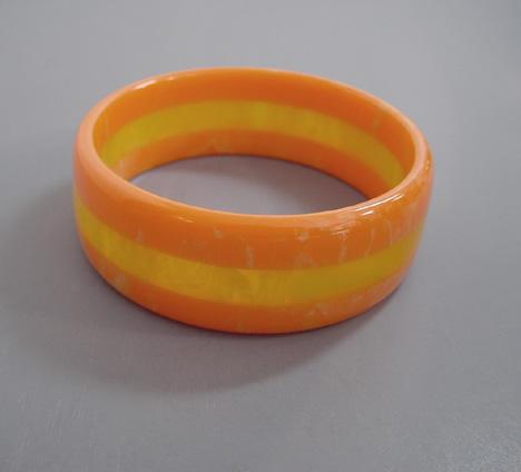 BAKELITE 3-row laminated bangle citrus orange & lemon yellow swirl